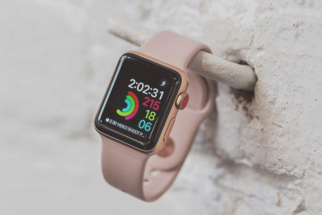 Apple Watch Series 3, early reviews from the USA   BitFeed co