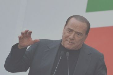 Berlusconi hospitalized, Mediaset stock, up 2%