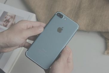 New photos depicting an iPhone 7 Plus working version of the Deep Blue!