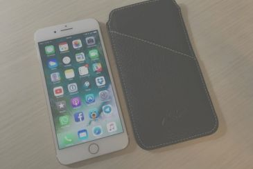 Review clutch for iPhone 7 Plus by Modì