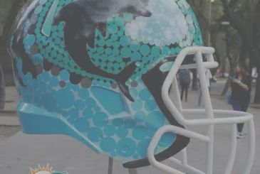 """The thirty-two helmets in the NFL, drawn to the """"mexican"""""""