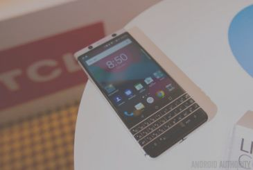 TCL and a little taste of the BlackBerry Mercury at CES 2017