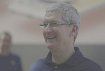 Apple: the salary of Tim Cook is cut of 1.5 million dollars