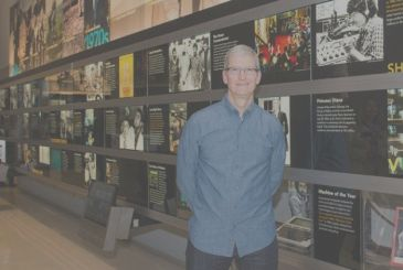 Tim Cook wins the Newseum 2017 Free Expression Award