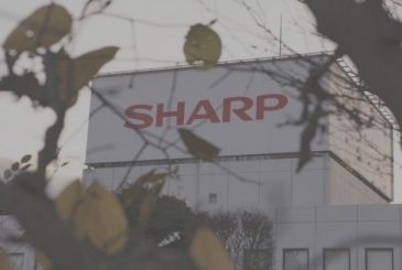 Sharp register its first net profit thanks to Foxconn