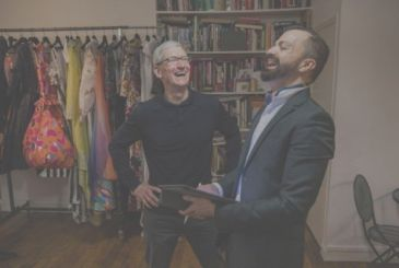 Tim Cook makes visit to some French entrepreneurs