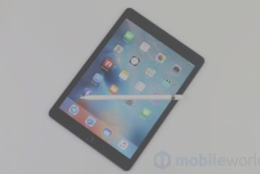 The iPad sales are falling faster than those of the entire tablet industry