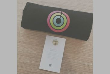 """Apple encourages its employees to """"close the rings"""" on the Apple Watch"""