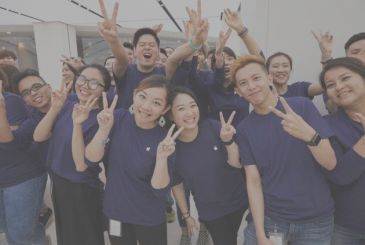 Apple opened the first official Apple Store q Taiwan