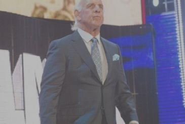 WWE: Ric Flair is in the hospital for serious health problems