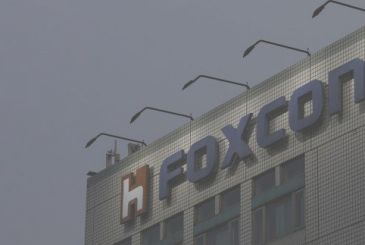 Foxconn ready to realize three manufacturing plants in the USA
