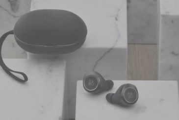 "Bang & Olufsen presents the earbuds-style ""AirPods"""