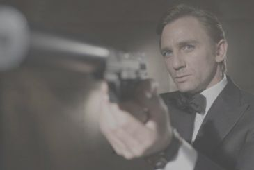 Apple wants to buy the rights to the franchise James Bond