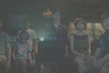 EN: Stephen King presents the Club of the Losers in the new clip
