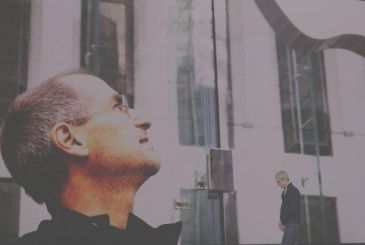 Available the video of the tribute to Steve Jobs
