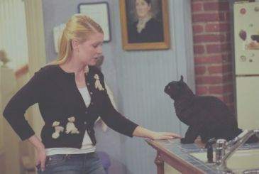 Sabrina the Teenage Witch is back in a new TV series. And could go to school in Riverdale!