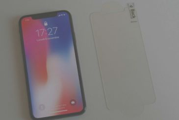 Spigen: this is tempered glass 9H for iPhone X