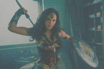 Wonder Woman: Hot Toys ready to fight with the new action figure of Diana