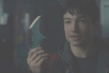 "Batman v Superman, Ezra Miller jokes on the scene, ""Martha"" [VIDEO]"