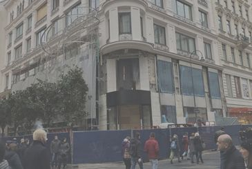 New photos of the upcoming Apple Store in Vienna that show us the status of the jobs