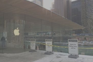 Problems of snow for the new Apple Store in Chicago