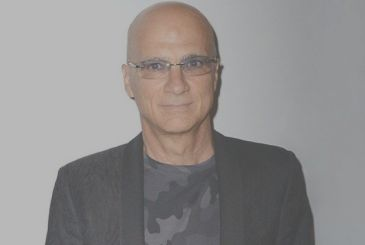 Jimmy Iovine will leave Apple in August