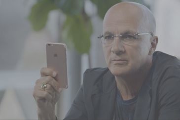 No, Jimmy Iovine, will not leave Apple in August