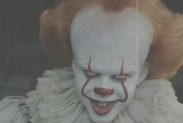 EN: Pennywise was kept separate from the children during shooting