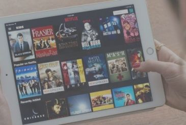 "Netflix admits: ""Apple will soon be one of our competitors"""