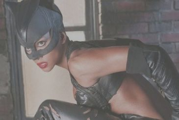 """Catwoman: writer calls it """"a film of mer*"""""""