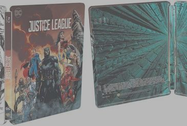 Justice League: this is the exclusive steelbook with variant cover by Jim Lee