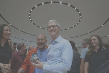"""Tim Cook: """"it is Not true that the iPhone is not built in the United States"""""""