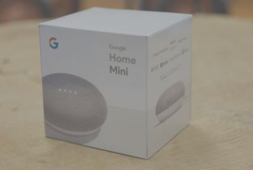 Review Google Home Mini: it's in Italy, the smart speaker Google