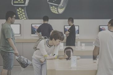 Counterpoint: the iPhone dominates smartphone sales online in China