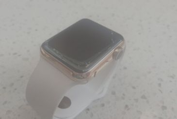 """All of the Apple Watch are defective"": says a class action"