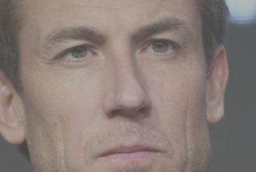 The Crown: the first picture of Tobias Menzies, the new Prince Philip