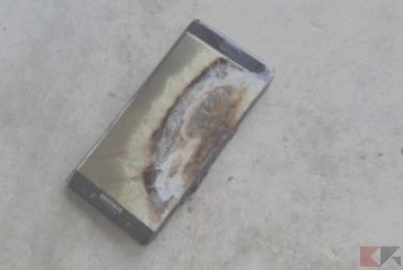 Samsung Galaxy Note 9 takes fire in an elevator