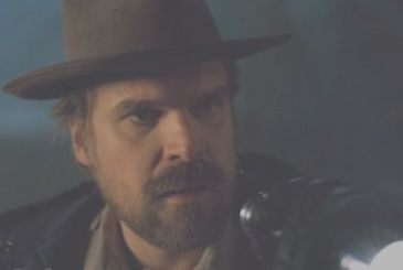Stranger Things: David Harbour bride of the fans dressed by Sheriff Hopper