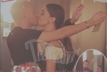 Belen Rodriguez kisses new girlfriend, the paparazzi, the peck -Photo