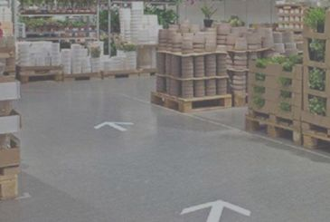 "IKEA: man arrested for having created a labyrinth with ""the false arrows"""