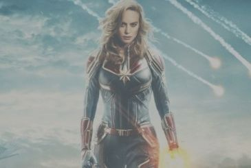 Captain Marvel: a new look at the costume in motion poster