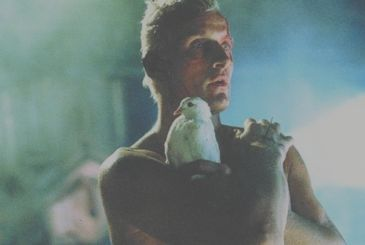 And' dead Rutger Hauer, the replicant in Blade Runner