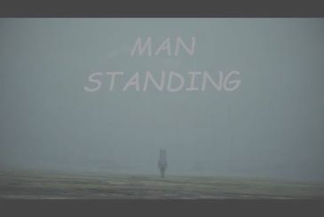 Death Stranding: here comes the game parody Man Standing