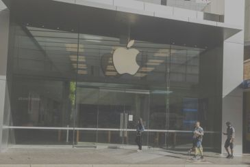 Apple will re-open in 21 Apple Stores in Australia this week