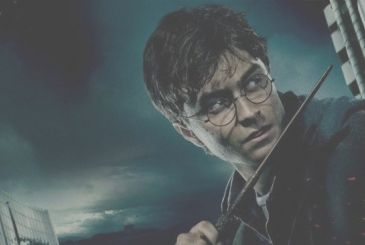 Harry Potter: Daniel Radcliffe and other stars read The philosopher's stone